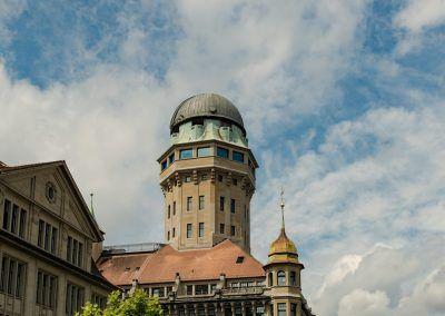 Urania Sternwarte Zürich Turm am Tag
